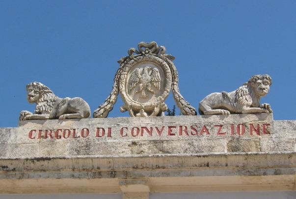 Sicilia: Ragusa Ibla: Circolo di Conversazione